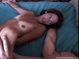 مثير جدا ناضجة فاتنة شيري يحب أن يمارس الجنس