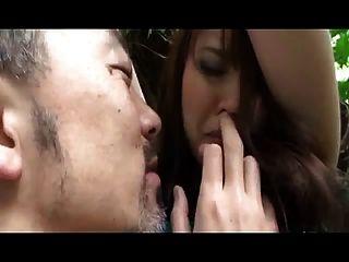 كبيرة الفتاة اليابانية تيط اشتعلت تستخدم (غير الخاضعة للرقابة)