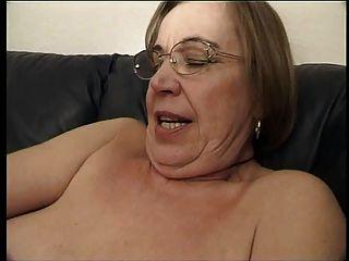 الجدة يحب الحيوانات المنوية