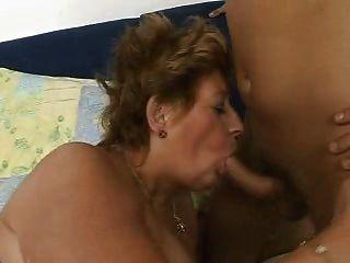 كبيرة سيدة هيتي الدهون الجدة مارس الجنس جيدة