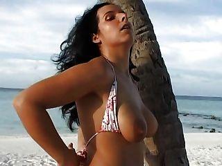 مثالية لاتيني الألمانية الفتاة زوجة الثدي مستديرة لطيفة الأشفار الكبيرة الشفاه البظر