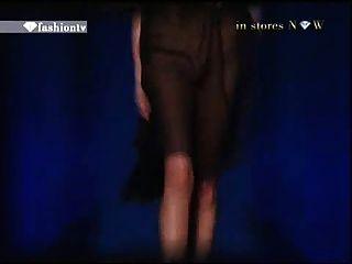 الأزياء التلفزيون 2 نموذج عفوا