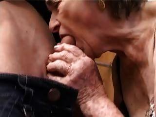 الجدة مشعر القديمة في جوارب اصابع الاتهام مص واللعنة