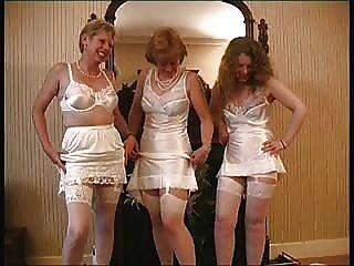 الملابس الداخلية خمر من السيدات قرية