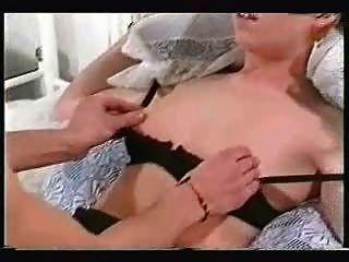 أحمر الشعر قيدوا ومارس الجنس في حين الأفلام زوج