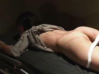 اليابانية وتعادل جلد في السجن