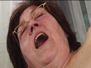 الجدة شعر في النظارات قضبان اصطناعية ينتشر تمتص والملاعين