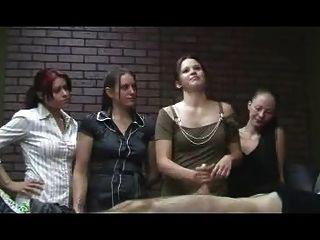 الفتيات مكتب متشنج CFNM HANDJOB