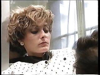 روكو يحصل على 2 الفتيات في مرحاض
