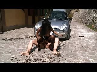 الايطالية الشرج الخام ناضجة مارس الجنس من الصعب في الهواء الطلق