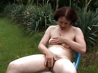 التمتع بالطبيعة في حديقة