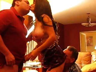 زوجة الحقيقي وقحة يحب الديوث وأكثر من ذلك