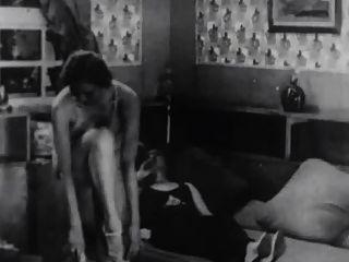 أفلام ممنوعة من بيوت الدعارة في باريس