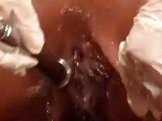 الحمام الساخن حقنة شرجية اللعب