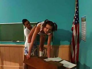 طالب الملاعين المعلم مع قضيب جلدي