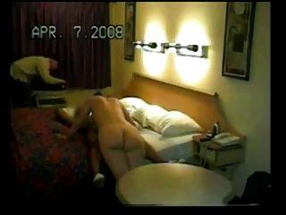 بي بي سي يولد الزوجة في الفندق كما الساعات زوج