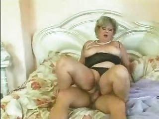مارس الجنس شقراء الجدة