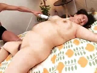 اليابانية أمي BBW وبوسها الرطب شعر من troc