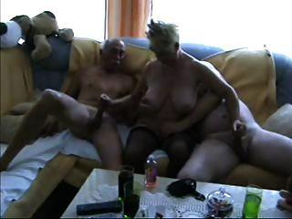 الثلاثي المخنثين ناضجة
