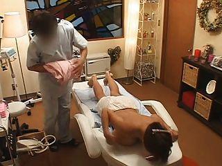 اليابان تدليك الثدي كبير الثدي مفلس الآسيوية المجموعي