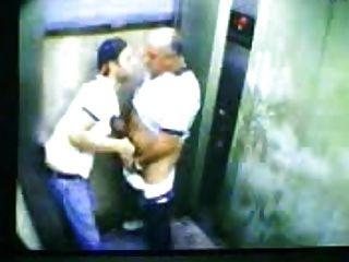 الرجال المثليين القبض على الكاميرا!