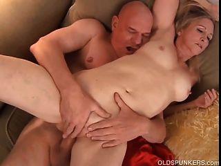 جميلة ناضجة انابيل شقراء برادي يحب أن يمارس الجنس