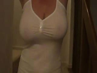 sexymilf الثدي شنقا الطبيعي