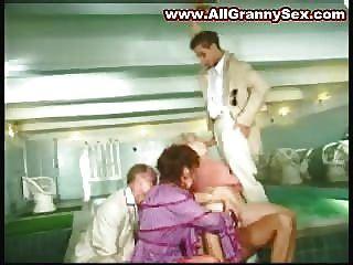 الجدات ناضجة مارس الجنس من الصعب جدا