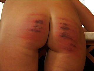 hc8 ضرب بالعصا زوجة الضرب بالعصا من الصعب البكاء