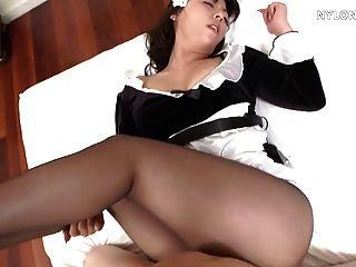 اليابانية جوارب طويلة خادمة اللعنة الجنس النايلون