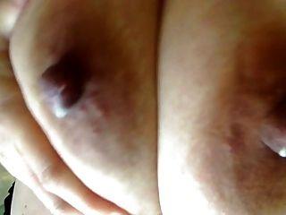 ضخم وجميل حليب الثدي 2