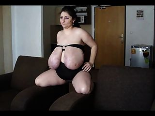 الرومانية BBW ضخمة الثدي