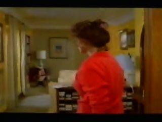 لا سنيورة ديلا انوتي (1985) سيرينا غراندي