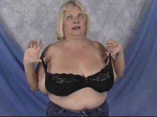 BBW الجدة مع ضخمة الثدي يتظاهرون
