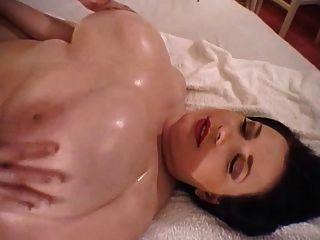 حلمة الثدي ضخمة بالون ضخم
