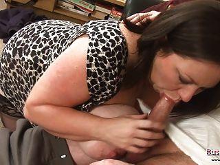 كبير الثدي تحصل مارس الجنس ناضجة ي روكسي