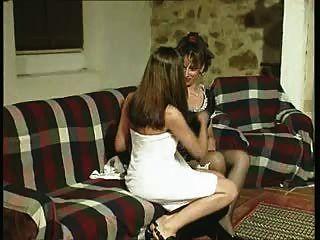غابرييلا.الخادمة ضحية لرغبات سيدتهم.