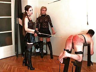 عقوبة الضرب بالعصا قاسية