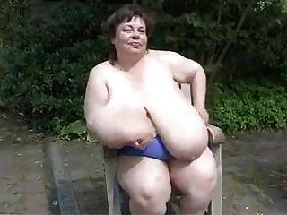 BBW الجدة مع الثدي ضخمة ساغي