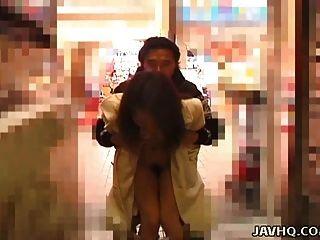 حار exhibs في سن المراهقة اليابانية ويحصل في الهواء الطلق مارس الجنس