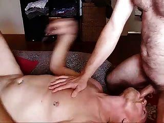 الآباء مثلي الجنس مثل ليمارس الجنس عارية جدا!