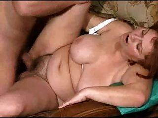 مامي مع كبير الثدي اللعنة مع الشباب