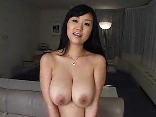 مثير فتاة جميلة مع كبير الثدي