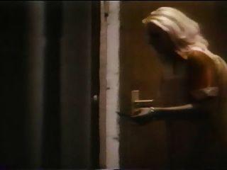 لا nymphomane الضارة (1977) فيلم خمر الكامل