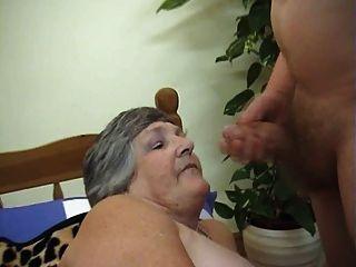 75 عاما الجدة الجشع يبي 3some