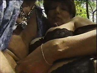 ناضجة في جوارب سوداء مارس الجنس من قبل o.o شابا