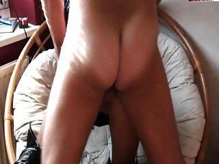 وشم الفتاة الألمانية مع كبير الثدي تحصل مارس الجنس