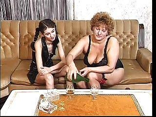 الجدة ناضجة سخيف 1 نقطة www.mmacomments.com افي