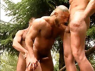 الديك الدهون تيد كولونجا في 3some ساخنة