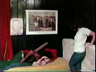 الفتيات بيضاء مع الرجل الأسود الأعراق شهوانية من 1976